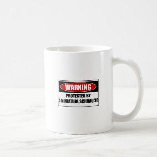 Mug Protégé par un Schnauzer miniature