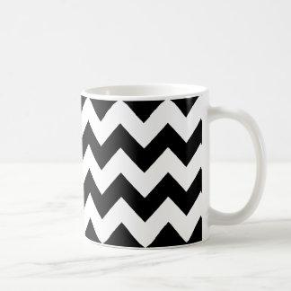 Mug rayures noires et blanches élégantes de chevron
