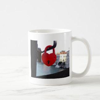 Mug serrure d'amour à Venise