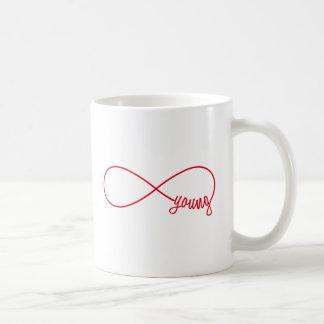 Mug signe pour toujours jeune et rouge d'infini