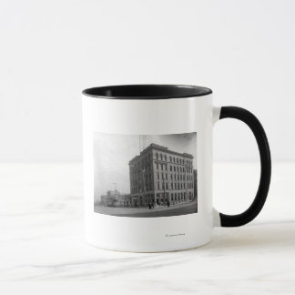 Mug Sur le coin sur l'avenue de Hewitt