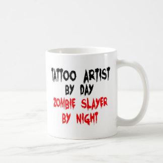 Mug Tueur de zombi d'artiste de tatouage
