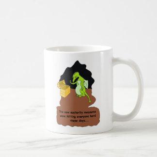 Mug Un dragon dans l'austérité (brun)