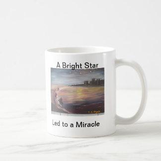 Mug Une étoile lumineuse menée à un miracle