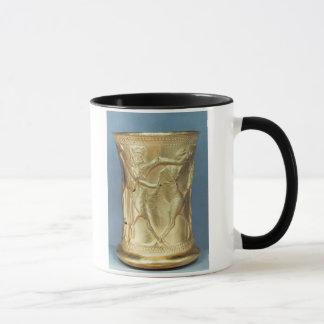 Mug Vase décoré des créatures mythologiques, Perse