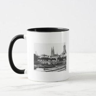 Mug Vente du bois sur la rivière Trave, Lübeck, c.1910