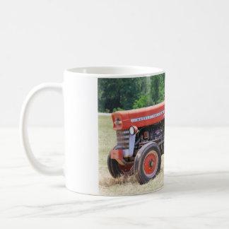 Mug Vieux tracteur rouge et patiné