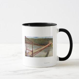 Mug Vue du vieux pont suspendu