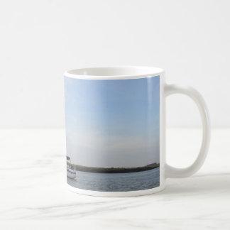 Mug Yacht Titian