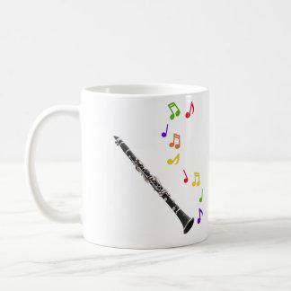 Musique colorée de clarinette à gauche mug blanc
