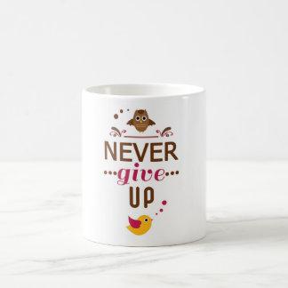 N'abandonnez jamais la citation de motivation mug blanc