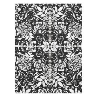 Nappe florale noire et blanche