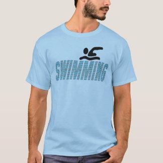 Natation avec le nageur t-shirt