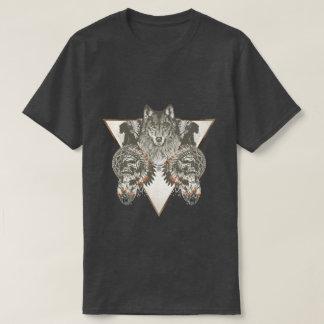Natif américain, loup avec le T-shirt de crâne