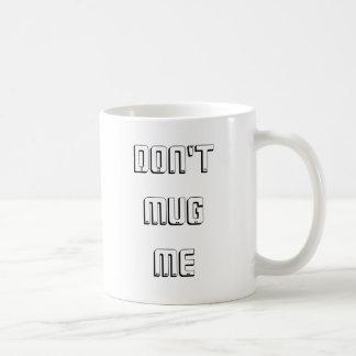 Ne m'attaquez pas mug