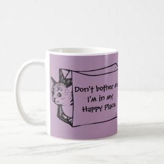 Ne me tracassez pas chat dans une tasse de sac