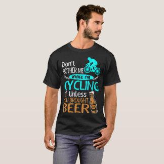 Ne tracassez pas tout en faisant un cycle à moins t-shirt