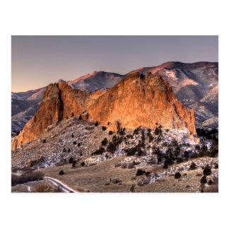 Neige sur la roche grise cartes postales