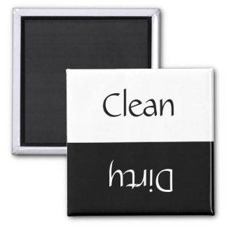 Nettoyez sale (noir et blanc) magnet carré