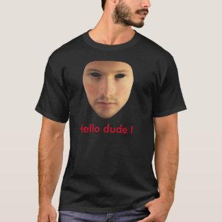 Noir de T-shirt de gars dur