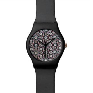 Noir élégant d'équilibre et montre florale