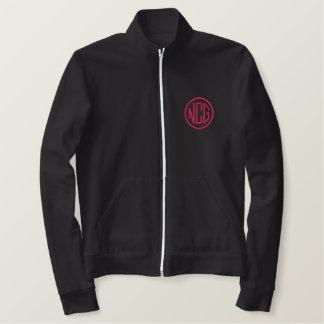 Noir et veste de monogramme brodée par rose