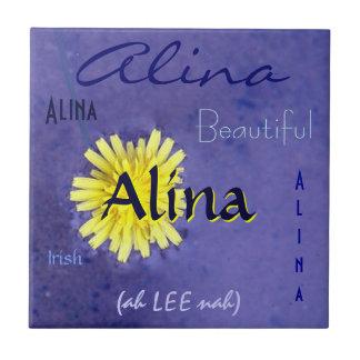 Nom d'Alina et signification irlandaise avec la fl Carreaux