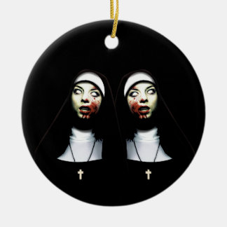 Nonnes d'horreur ornement rond en céramique