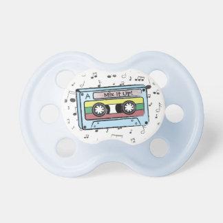 Notes d'enregistreur à cassettes et de musique de sucette pour bébé
