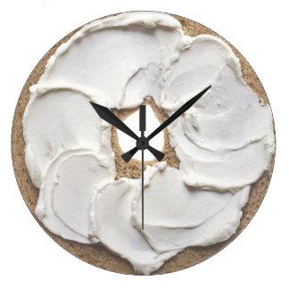 Nouveauté de fromage de bagel et fondu grande horloge ronde