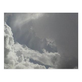 Nuages étant carte postale de nuages