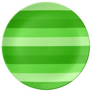 nuances de vert assiettes nuances de vert motifs pour assiettes. Black Bedroom Furniture Sets. Home Design Ideas