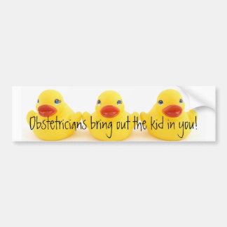 Obstétriciens et canards en caoutchouc jaunes autocollant de voiture