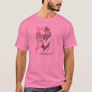 Obtiennent le T-shirt accroché de lune de miel