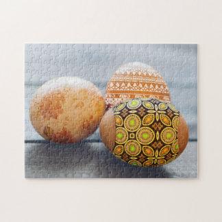 Oeufs de pâques peints rustiques puzzle