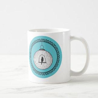 Oiseau en cercle d'art d'illustration de cage mug