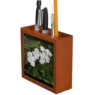 Organisateur inspiré de bureau de fleur sauvage