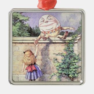Ornement Carré Argenté Alice rencontre Humpty Dumpty