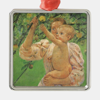 Ornement Carré Argenté Bébé atteignant pour Apple par Mary Cassatt