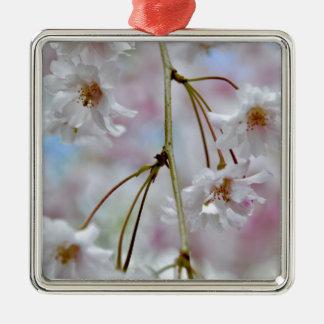 Ornement Carré Argenté Belles fleurs