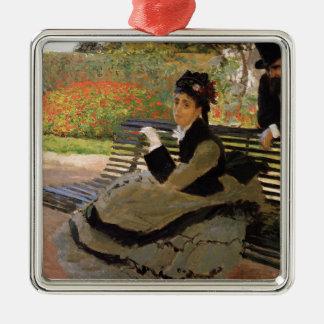 Ornement Carré Argenté Camille Monet sur un banc de jardin - Claude Monet