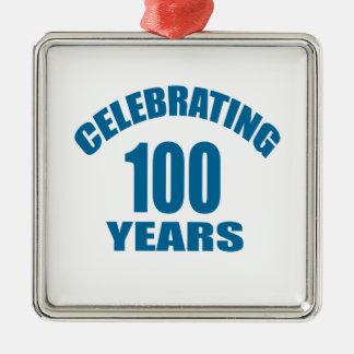 Ornement Carré Argenté Célébrant 100 ans de conceptions d'anniversaire
