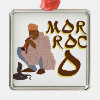 Ornement Carré Argenté Charmeur de serpent du Maroc