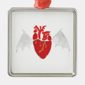Ornement Carré Argenté Coeur avec les ailes déchirées en lambeaux