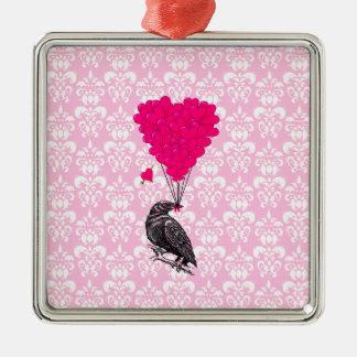 Ornement Carré Argenté Corneille et coeur sur la damassé rose