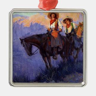 Ornement Carré Argenté Cowboys vintages, homme et femme sur des chevaux,