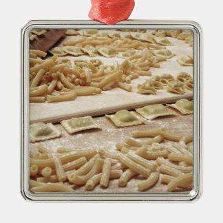 Ornement Carré Argenté Divers mélange des pâtes faites maison italiennes