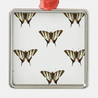 Ornement Carré Argenté étendez les papillons