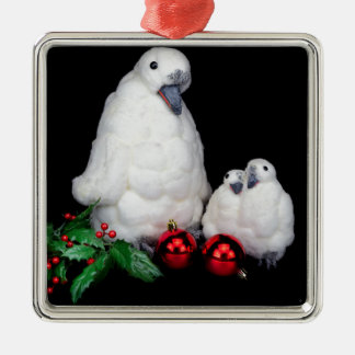 Ornement Carré Argenté Figurines de pingouin comme famille avec des