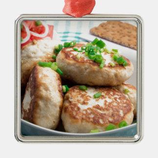 Ornement Carré Argenté Hamburgers de poulet et salade faits maison de